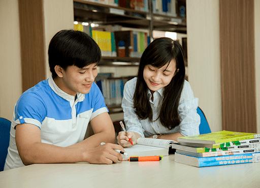 Sinh viên ngành Tài chính Ngân hàng Đại học Duy Tân